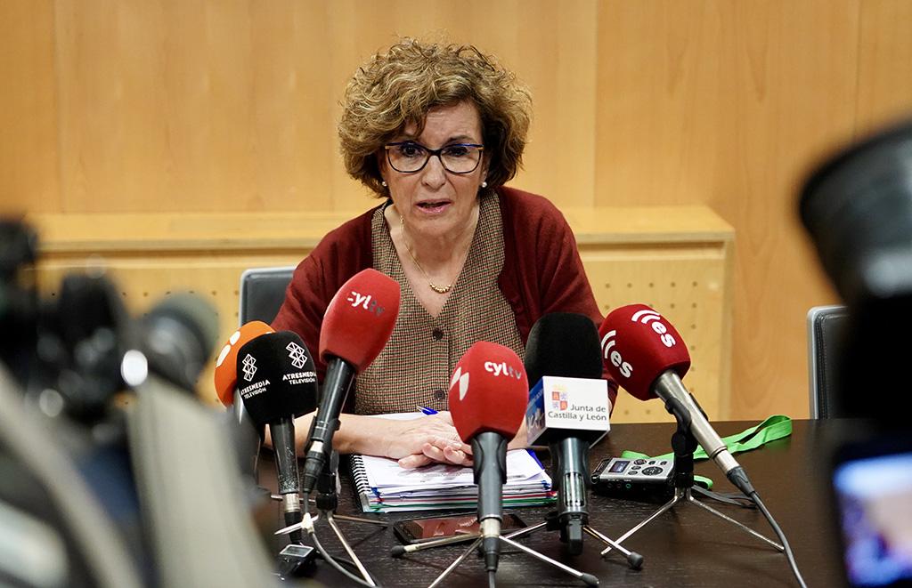 Miriam Chacón. ICAL . Carmen Pacheco, directora general de Salud Pública de la Consejería de Sanidad