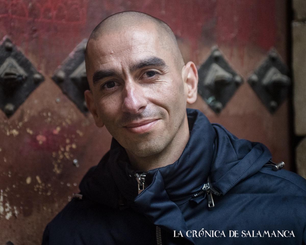 Raúl Rivas, catedrático de Microbiología de la Usal,, autor del libro 'Las sirenas de Colón y otras historias prodigiosas de la Biología'.