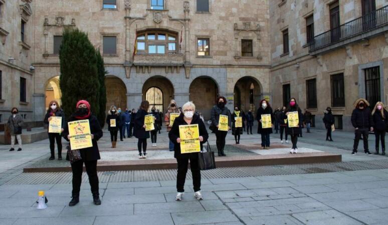 concentracion protesta peluquerias almudena iglesias