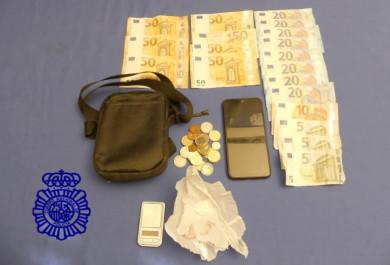 policia venta droga