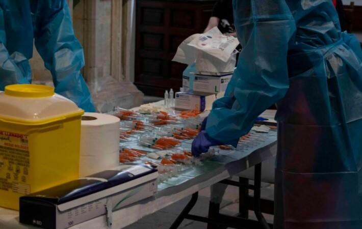 vacuna vacunacion profesores almudena iglesias 24 marzo