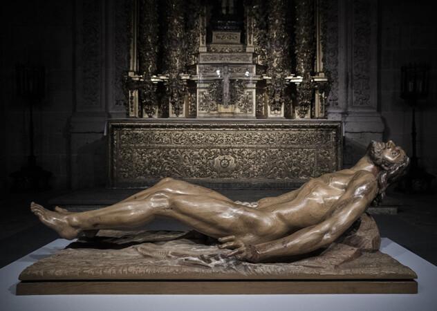 El Cristo volviendo a la vida, de Venancio Blanco.