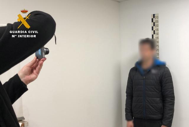 ICAL. 35 detenidos por abusar sexualmente de menores con los que contactaban a través de una web de citas