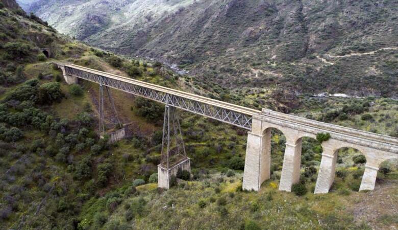 ICAL. Puente Arroyo, uno de los diez puentes de la ruta Caminos de Hierro, en Salamanca.