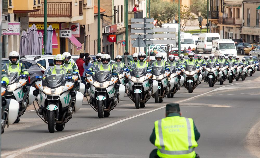 Vicente / ICAL . Acto simbólico de homenaje a dos guardias civiles del Destacamento de Tráfico de Ciudad Rodrigo fallecidos en accidente de tráfico.