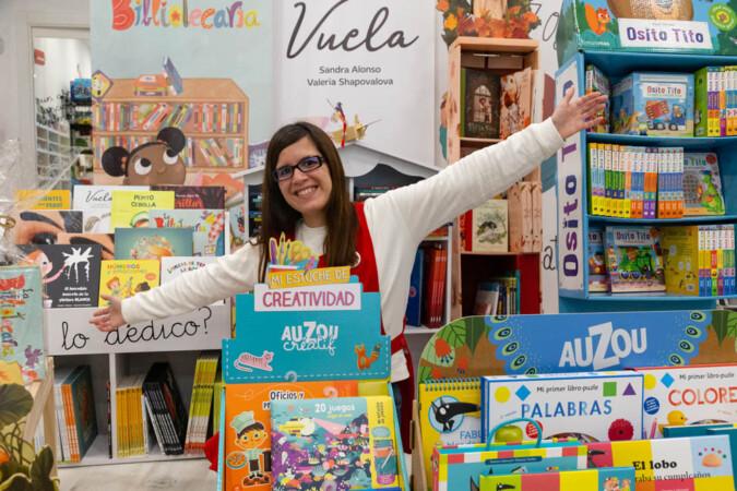 JL Leal / ICAL. Sandra Alonso Villar, escritora y propietaria de la tienda de literatura infantil 'Mis cuentos infantiles'.