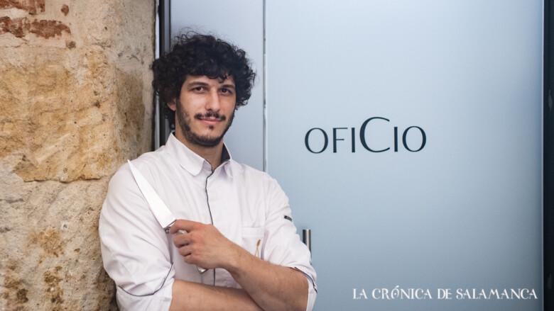 Carlos Hernández del Río, responsable del restaurante ConSentido, galardonado con un Sol por la Guía Repsol.