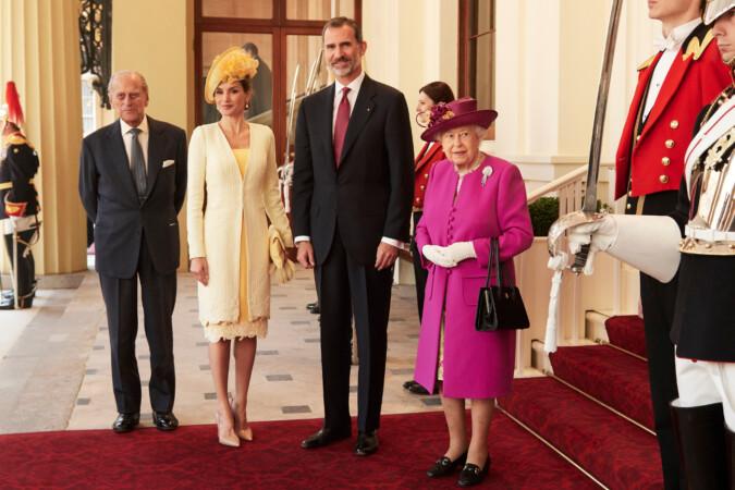 El Príncipe de Edimburgo, los reyes Felipe VI y Letizia, y la reina Isabel II de Inglaterra. Foto. Casa Real Española.