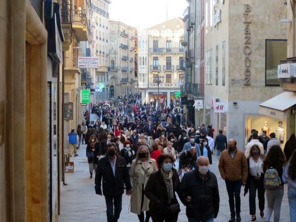 gente terrazas calles sabado 17 abril (3)