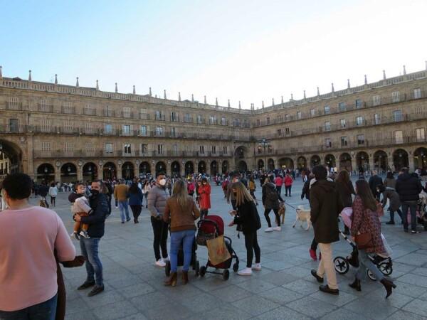 gente terrazas calles sabado 17 abril (5)