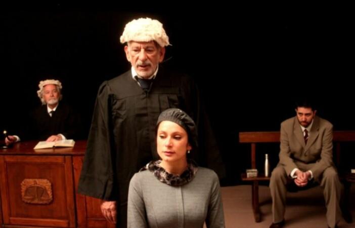la lengua teatro testigo cargo
