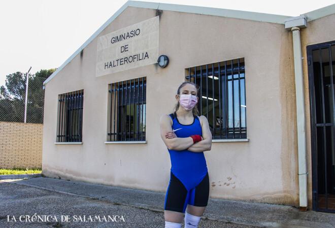 Marta García Rincón, medalla de oro en el Campeonato de España Sub 20 en las tres modalidades de halterofilia
