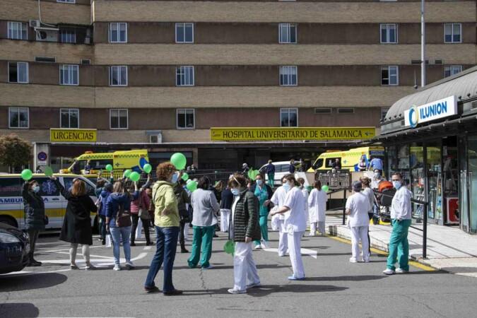 protesta tecnicos enfermeria almudena iglesias (2)
