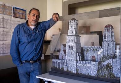Susana Martín.ICAL. Ricardo Núñez, maquetista y modelista, profesor de la Universidad de Salamanca. (3)