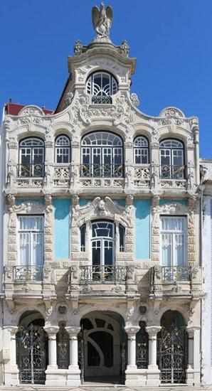 Construida en 1907 por el arquitecto Francisco Augusto da Silva Rocha, la Casa Major Pessoa es uno de los mejores ejemplos de Arte Nova de Aveiro