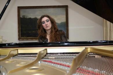 Alba Puertas ofrece un recital este domingo 9 de mayo en el auditorio de San Blas.