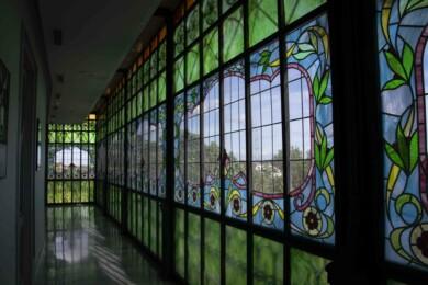 Una de las vidrieras de la Casa Lis. Foto. Almudena Iglesias Martín.