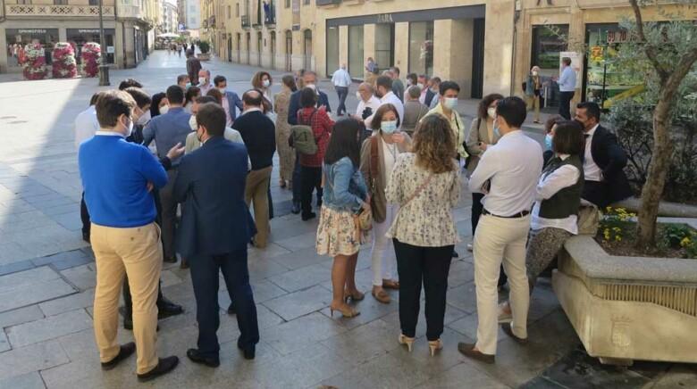 Concentración y paro parcial de los trabajadores de BBVA, en la plaza del Liceo.