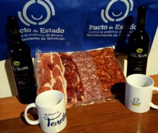 El Ayuntamiento de Tenebrón entregó a los vecinos un lote de productos para festejar a San Isidro.