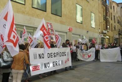 h&M protesta calle toro ere