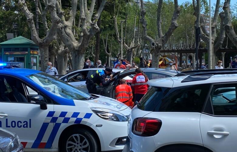 Choque en cadena en la avenida de Mirat, junto a la plaza de España.