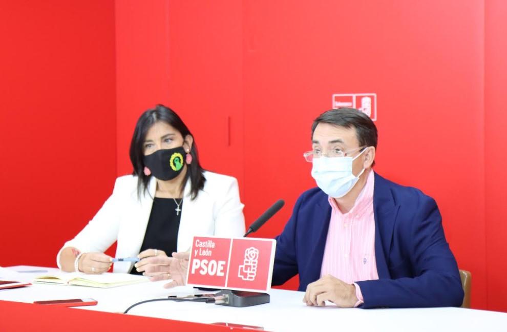 Ana Sánchez y Fernando Pablos.