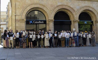 caixabank protestas ere almudena iglesias
