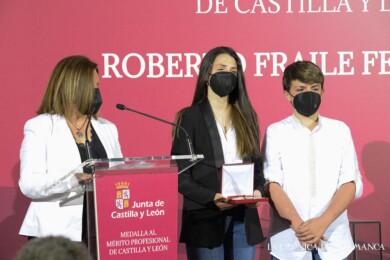 Carla y Daniel, los hijos de Roberto Fraile, y Lydia Marcos.