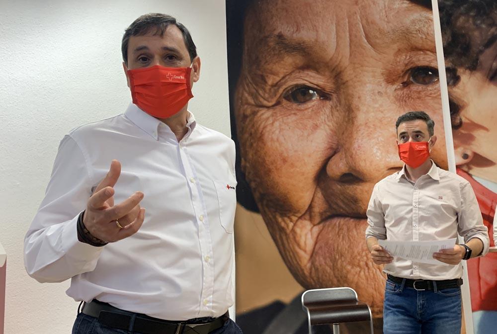José Vaquero, director del Plan de Empleo de Cruz Roja, y Rafa Gascon, tecnico.