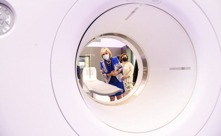 Ricardo Ordóñez / ICAL . La consejera de Sanidad, Verónica Casado, visita el PET-TAC del Complejo Asistencial de Burgos