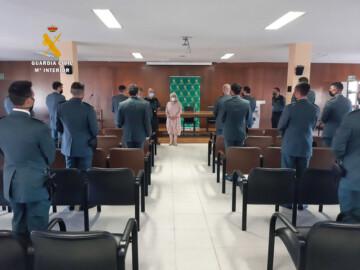 La subdelegada, Encarnación Pérez, recibe a los alumnos en prácticas de la Guardia Civil.