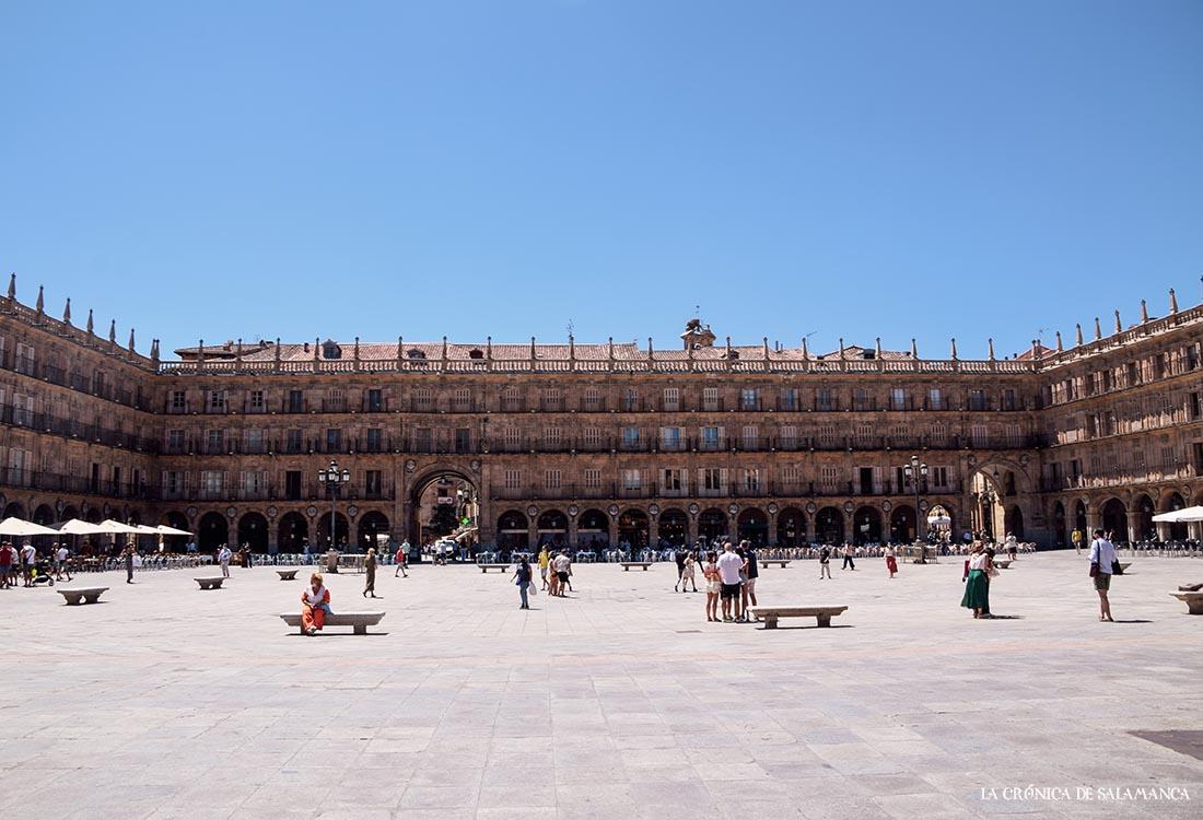 La Plaza Mayor de Salamanca, lugar donde Rafael Farina realizó sus primeras 'actuaciones'. Foto. Amudena Iglesias Martín.