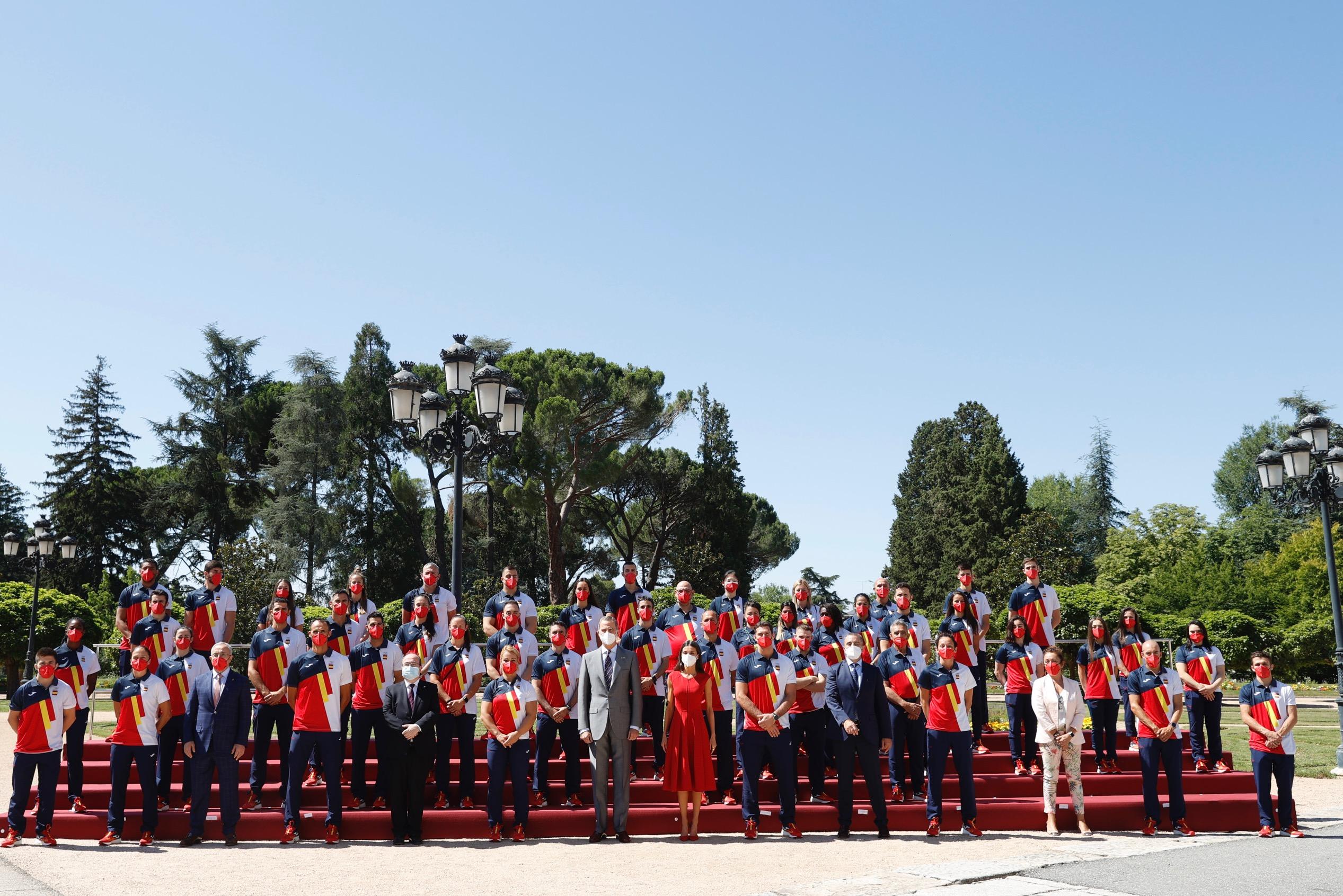 Don Felipe y Doña Letizia saludaron a los integrantes del equipo olímpico español participantes en los Juegos Olímpicos de Tokio. Foto. Casa Real.