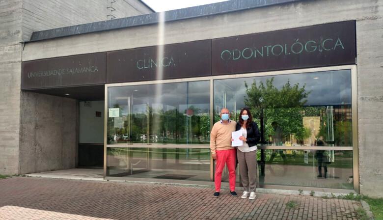 El Ayuntamiento de Villares de la Reina firma un convenio con la Clínica Odontológica de la Usal.
