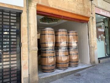 El local de la calle Toro que hasta hace unos meses era una joyería y ahora será una tienda de golosinas.