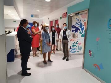 La consejera de Sanidad, Verónica Casado, visita el nuevo hospital de Salamanca.