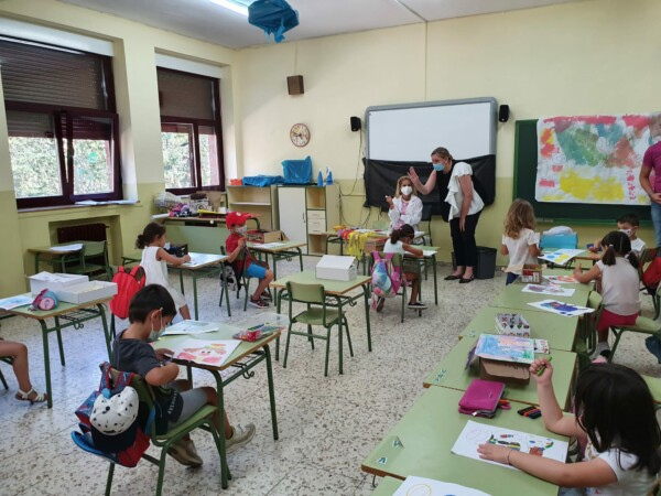 La consejera de Familia e Igualdad de Oportunidades, Isabel Blanco, presenta el programa Conciliamos en el Rufino Blanco.