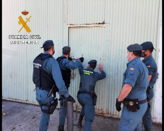 La Guardia Civil desarticulada una organización especializada en la fabricación y comercialización fraudulenta de tabaco entre España y Portugal