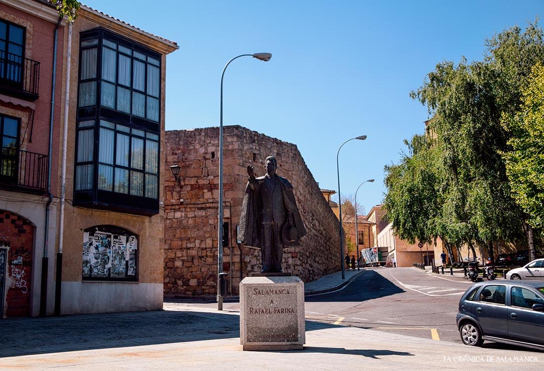 Estatua de Rafael Farina, obra de Agustín Casillas. Fotos. Almudena Iglesias Martín.