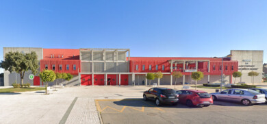 El centro de ocio y deportes de Villares de la Reina.