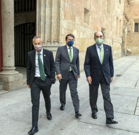 Ignacio Sánchez Galán junto a Fernández Mañueco y Ricardo Rivero