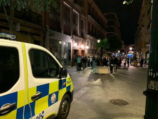 Policia Local en la calle Toro