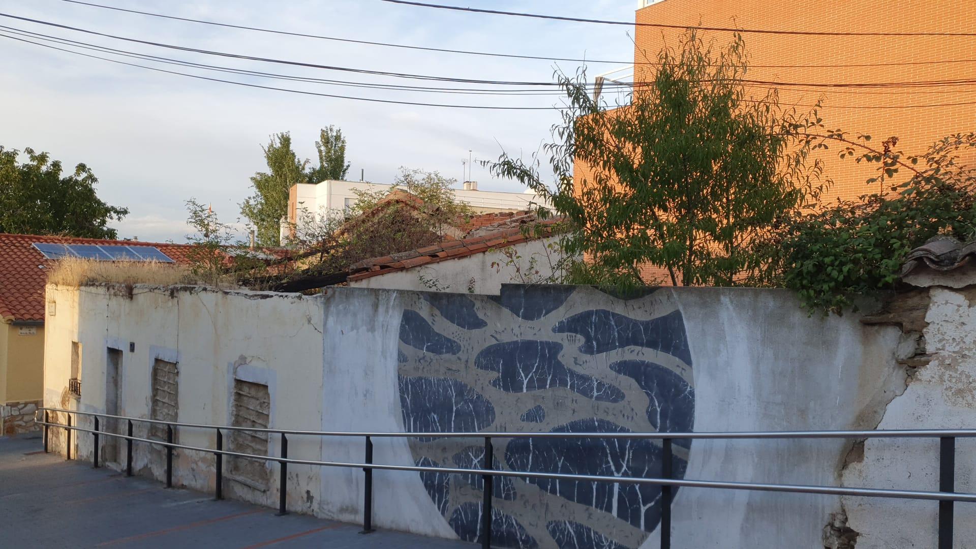 Abandono municipal en el barrio de Tejares, en Salamanca.