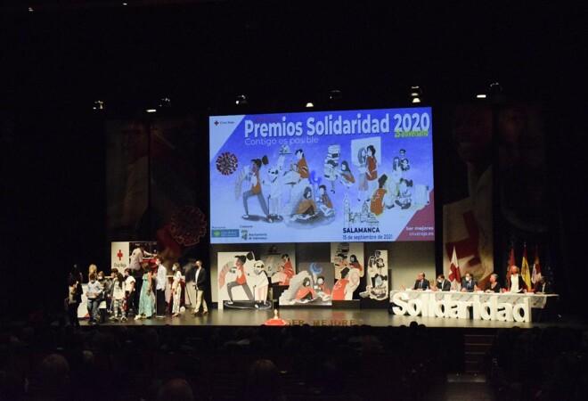 cruz roja premios solidaridad almudena iglesias (1)