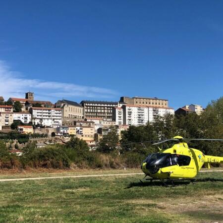 El helicóptero de Sacyl trasladó al herido del accidente laboral.