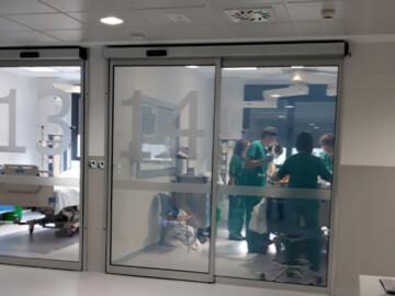 La UCI del hospital nuevo de Salamanca con el primer paciente.