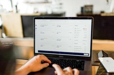 ordenador intenet informatica trabajo empleo inversion
