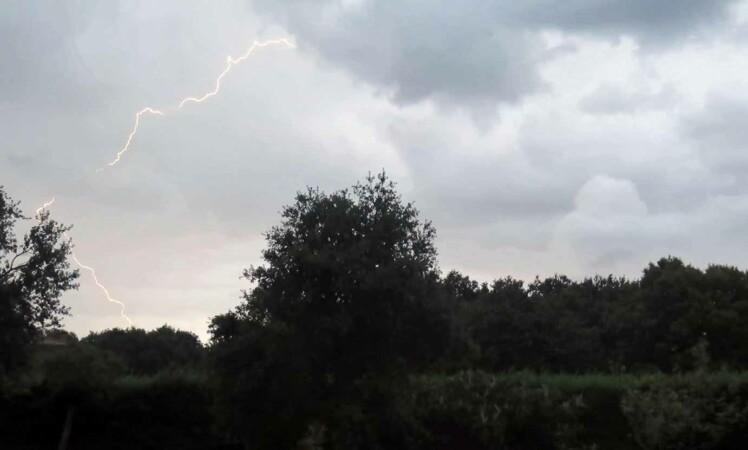 tormenta rayo relampago