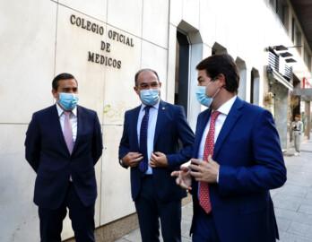 Susana Martín / ICAL . El presidente de la Junta de Castilla y León, Alfonso Fernández Mañueco, asiste a la toma de posesión de la nueva Junta Directiva del Colegio Oficial de Médicos de Salamanca