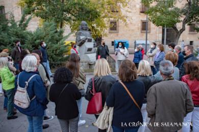 Carmen Martín Gaite tiene un lugar destacado en el libro 'Paseo literario por Salamanca' de Francisco Javier Jiménez.